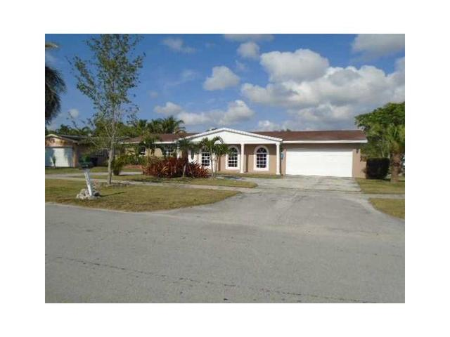 19980 SW 83rd Ave, Cutler Bay, FL 33189