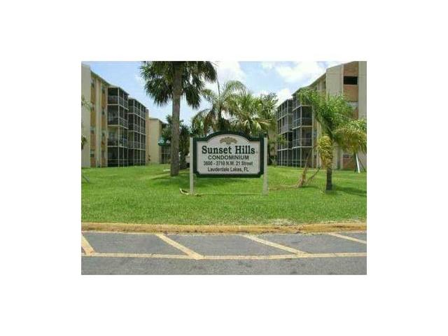 3700 NW 21st St #109, Lauderdale Lakes, FL 33311