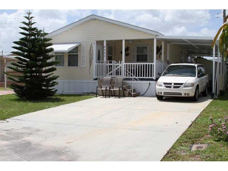 8561 SW 18th Place, Davie, FL 33324
