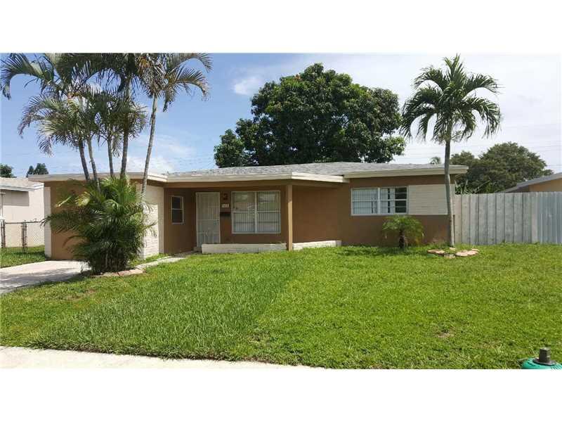 7451 Eaton St Hollywood, FL 33024