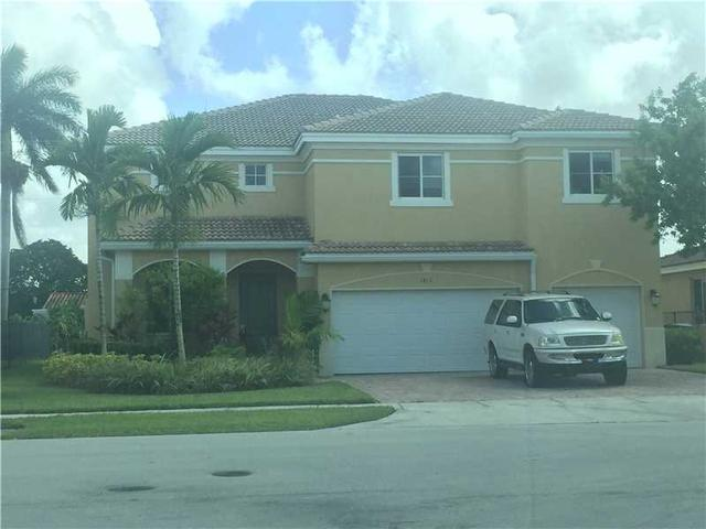 1410 NW 204th St, Miami Gardens, FL 33169