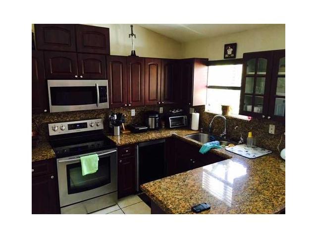 17348 NW 74th Ave #203, Hialeah, FL 33015