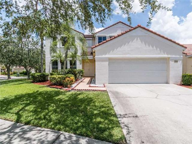 389 Carrington Dr, Weston, FL 33326