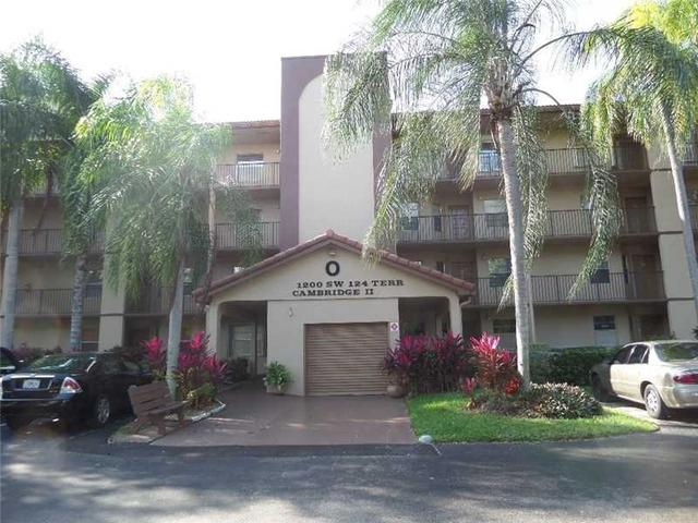 1200 SW 124th Ter #O211, Pembroke Pines, FL 33027