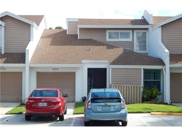612 Woodgate Ln #B, Sunrise, FL 33326