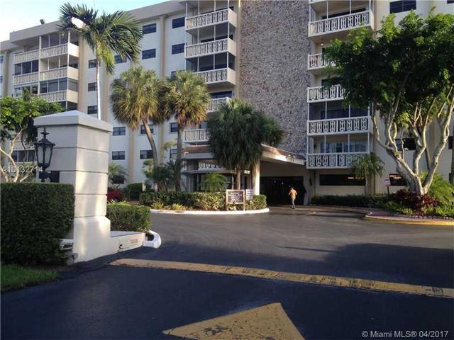 800 NE 195th St #117, Miami, FL 33179