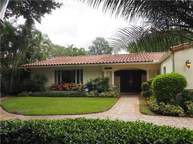 15120 Dunbarton Pl, Miami Lakes, FL 33016