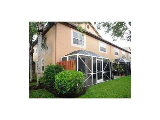 1621 Barcelona Way #6-32, Weston, FL 33327