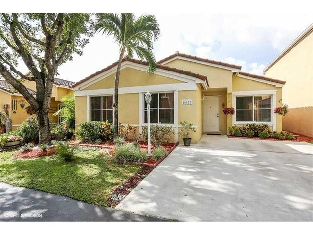 16552 SW 97th St, Miami, FL 33196