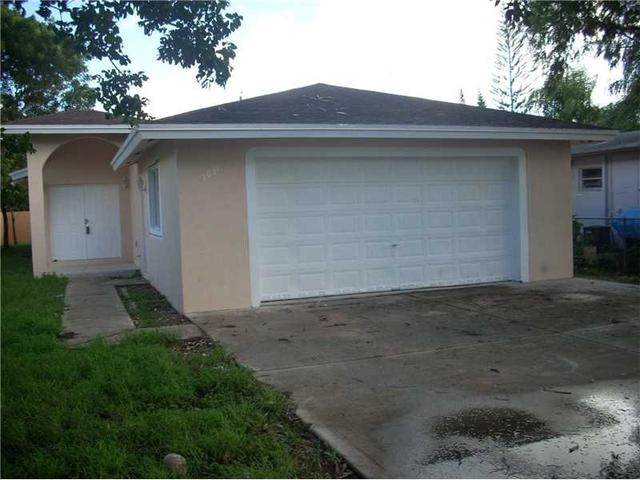 1031 NW 9th Ct, Homestead, FL 33030
