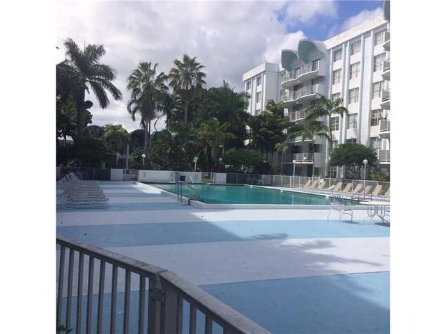 496 NW 165 St Rd #D502, Miami, FL 33169