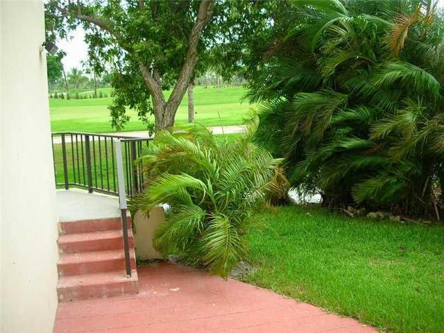 20335 W Country Club Dr #109, Aventura, FL 33180