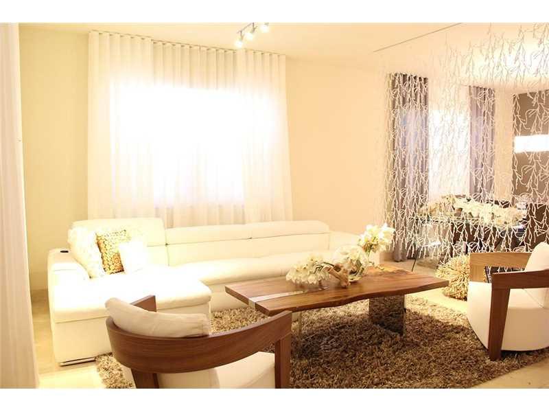 9835 NW 86th Terrace, Doral, FL 33178
