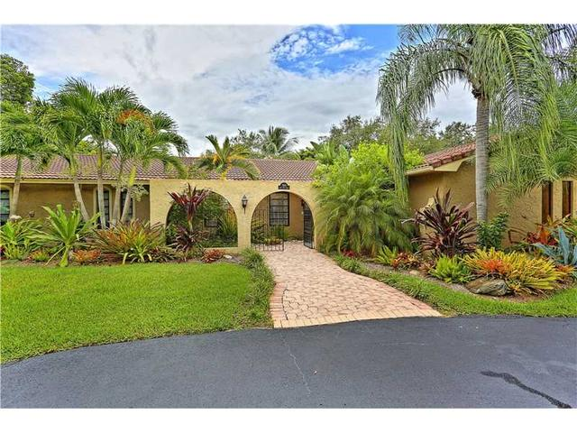 7990 SW 155th St, Palmetto Bay, FL 33157