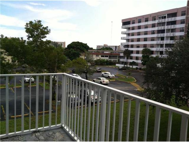 901 Hillcrest Dr #312, Hollywood, FL 33021