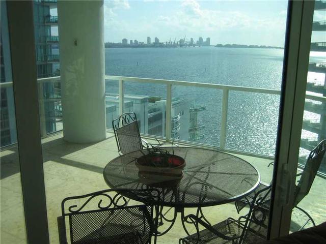 218 SE 14th St #1201, Miami, FL 33131