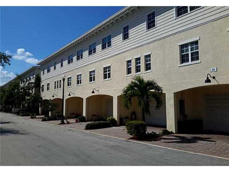 211 SW 6th Place #211, Pompano Beach, FL 33060