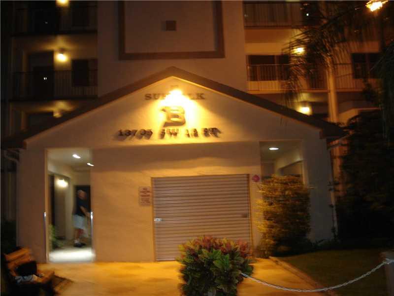 13705 SW 12th St #305B, Pembroke Pines, FL 33027