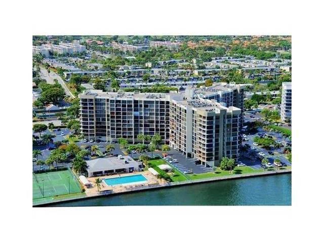 600 Parkview Dr #611, Hallandale, FL 33009