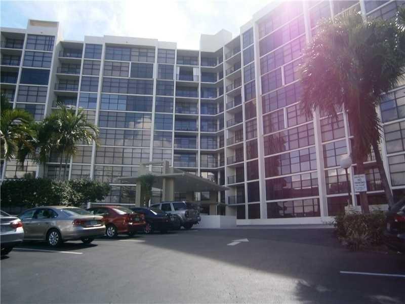 600 Parkview Drive #611, Hallandale, FL 33009