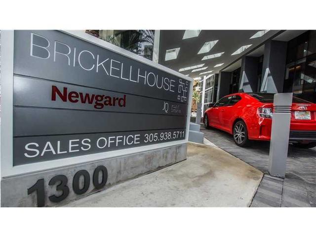 Loans near  Brickell Bay Dr , Miami FL