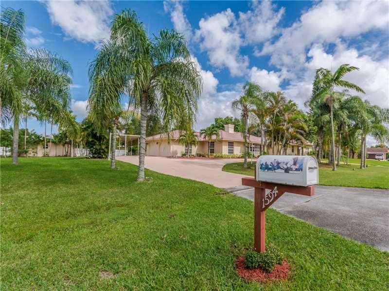 1594 NW 114th Terrace, Plantation, FL 33323