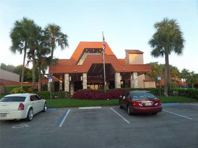 3110 Holiday Springs Blvd #206, Margate, FL 33063