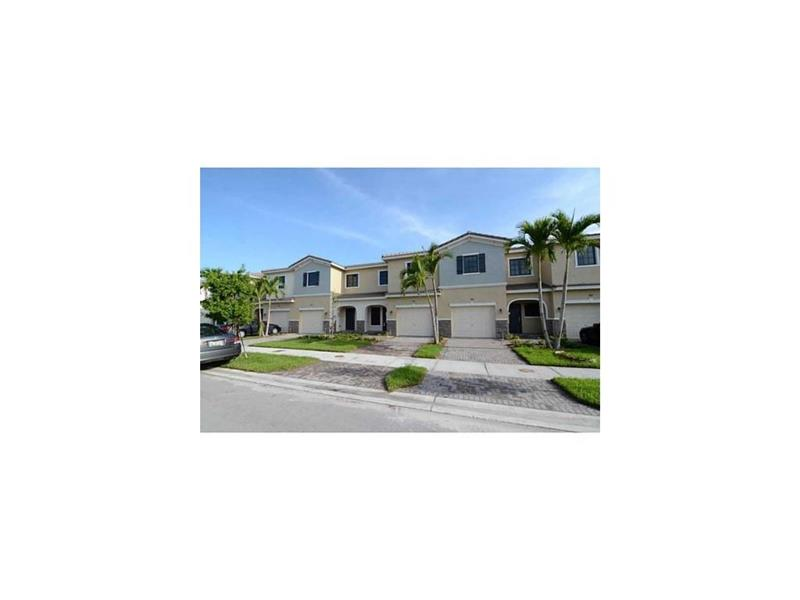 304 NE 194th Lane #304, Miami, FL 33179