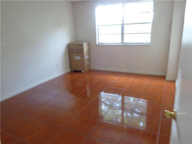 8950 NE 8th Ave #203, Miami, FL 33138
