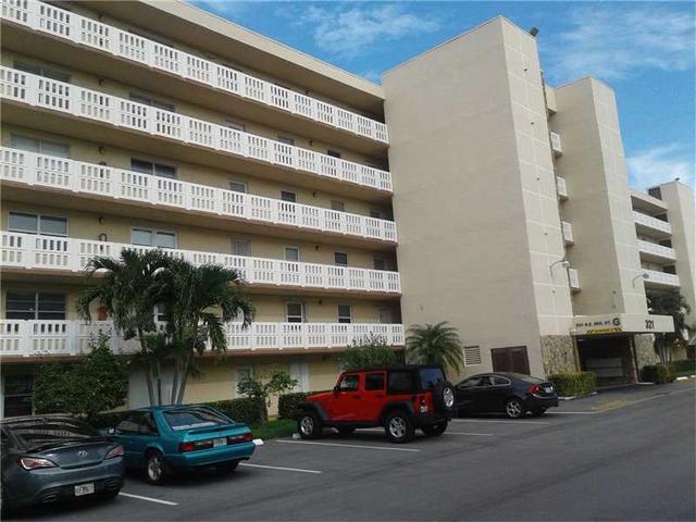 321 SE 3rd St #404, Dania Beach, FL 33004