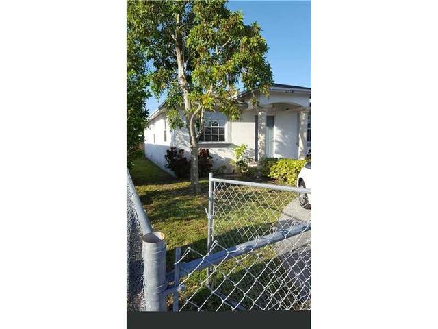 6214 Dawson St, Hollywood, FL 33023