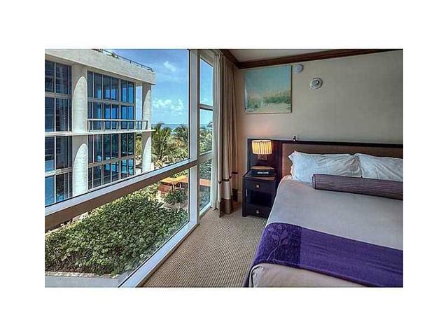 6801 Collins Ave #301, Miami Beach, FL 33141