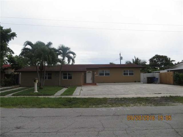1021 W 55th Pl, Hialeah, FL 33012
