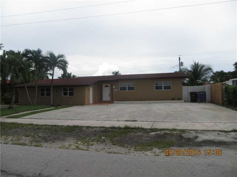 1021 W 55th Place, Hialeah, FL 33012