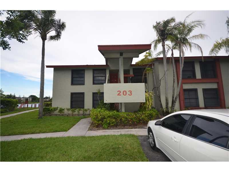 203 Lake Pointe Drive #102, Oakland Park, FL 33309