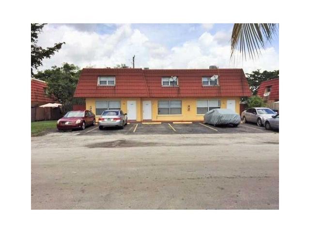 5871 NW 20th St, Lauderhill, FL 33313