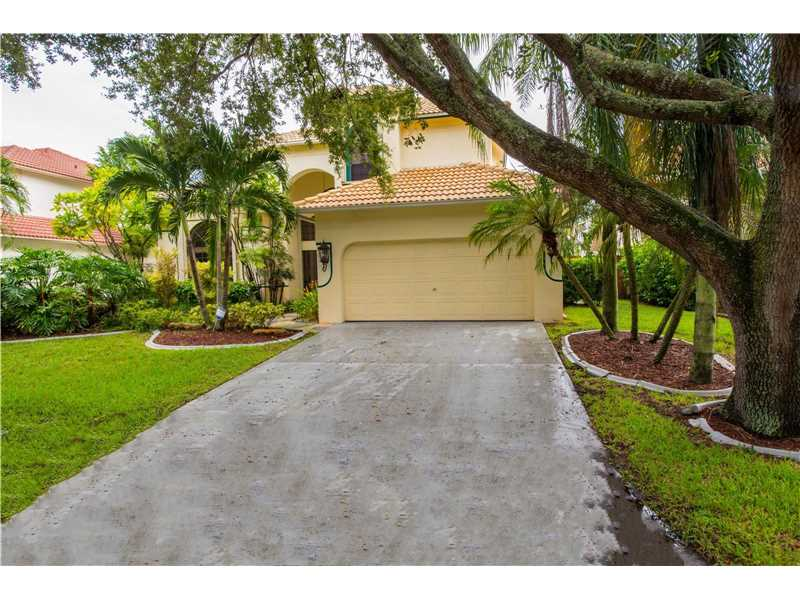 11568 Waterford Court, Hollywood, FL 33026
