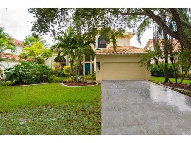 11568 Waterford Ct, Hollywood, FL 33026