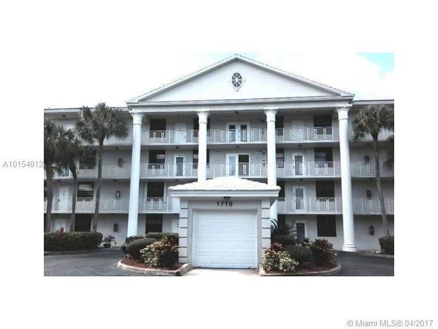 3826 Whitehall Dr #303, West Palm Beach, FL 33401