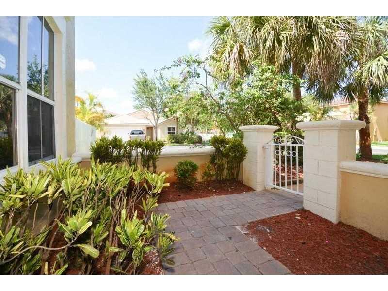 5202 SW 38th Avenue, Fort Lauderdale, FL 33312