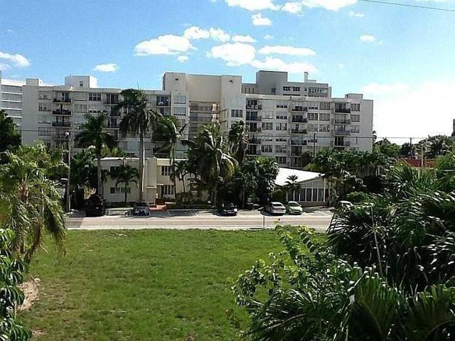 1050 93 St #4D, Bay Harbor Islands, FL 33154
