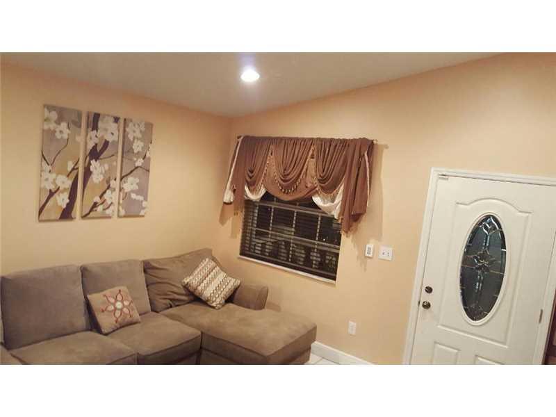 2750 W 74th Terrace, Hialeah, FL 33016