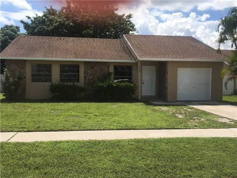 8602 SW 20th St, North Lauderdale, FL 33068