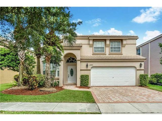 1571 NW 159 Ave, Pembroke Pines, FL 33028