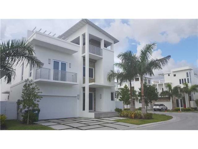 8221 NW 33rd Ter, Miami, FL 33122
