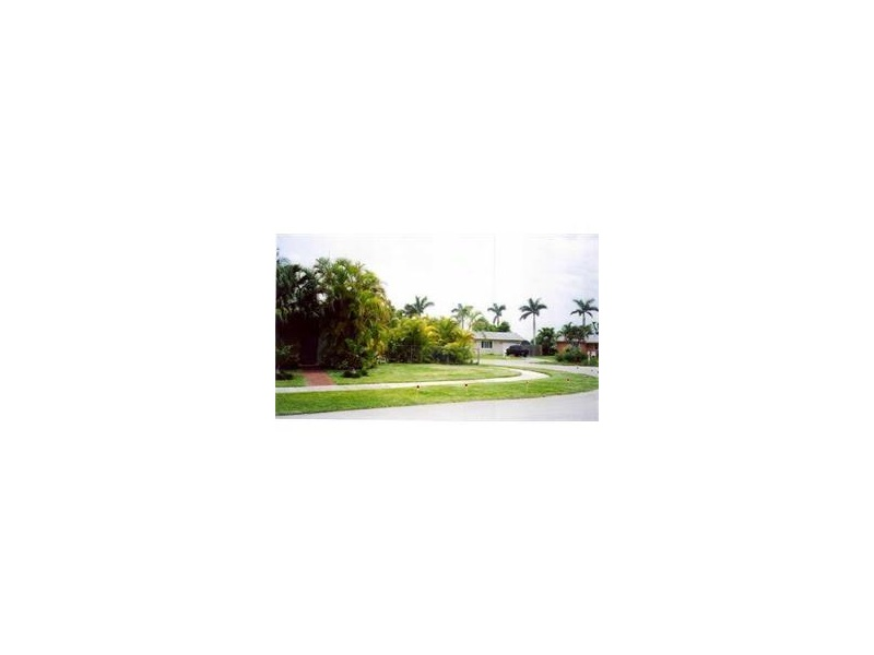 8920 SW 182 Te, Miami, FL 33157