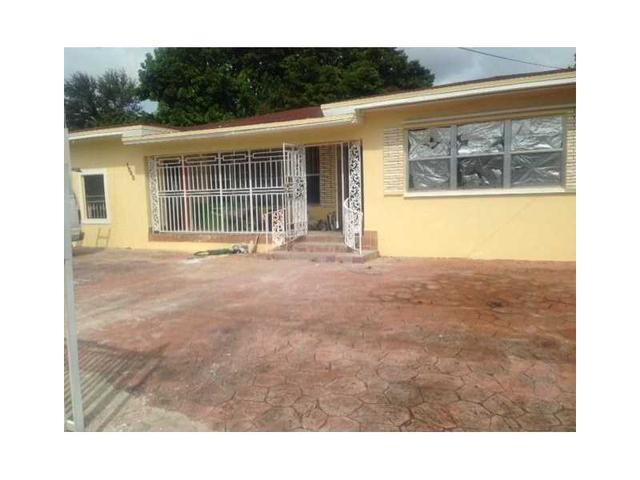 1545 NW 70th St, Miami, FL 33147
