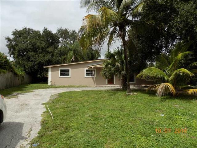3891 SW 31st St, West Park, FL 33023