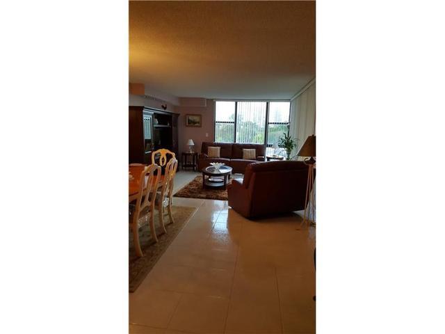 20301 W Country Club Dr #423, Aventura, FL 33180