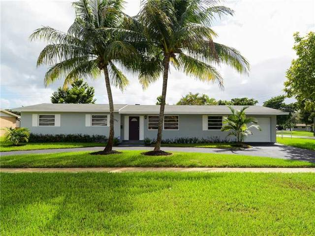 4792 NW 3rd St, Plantation, FL 33317